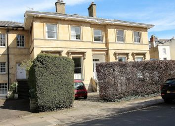 1 bed flat to rent in Pembury House, Lansdown Crescent, Cheltenham GL50
