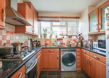 Thumbnail 2 bed flat to rent in Kings Court, Greater London