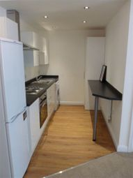 2 bed flat to rent in Ashfield Road, Sale, 7Dt. M33