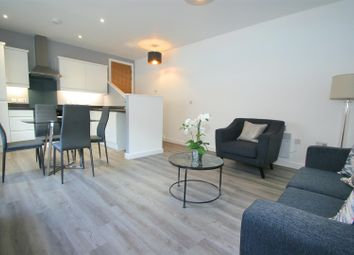2 bed flat to rent in Century House, Shirley, Solihull B90
