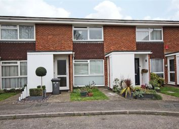 1 bed maisonette to rent in Windsor Place, Windsor Street, Chertsey, Surrey KT16