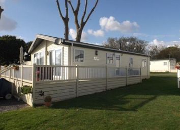 Thumbnail 2 bed mobile/park home for sale in Highfield Grange, London Road, Clacton On Sea