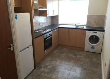 Thumbnail 1 bed flat to rent in Lynton Road Area, Acton