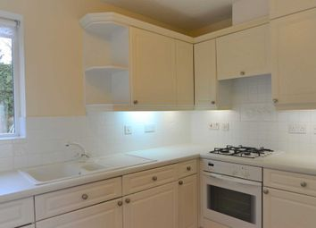 2 bed flat to rent in Gatcombe Mews, Hanger Lane, London W5