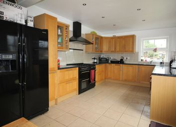 Thumbnail Room to rent in London Riad, Ewell