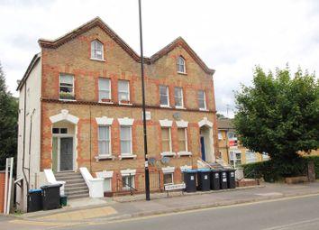 Croydon Road, Caterham CR3. 3 bed maisonette