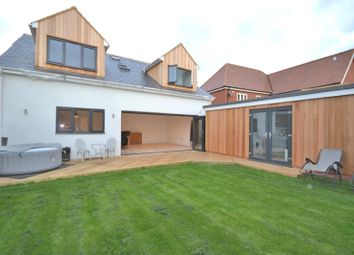 Galleywood Road, Great Baddow, Chelmsford CM2. 4 bed detached house