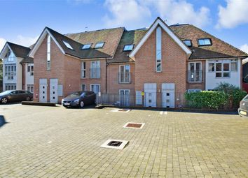 Thumbnail 2 bedroom flat for sale in Adelaide Place, Canterbury, Kent
