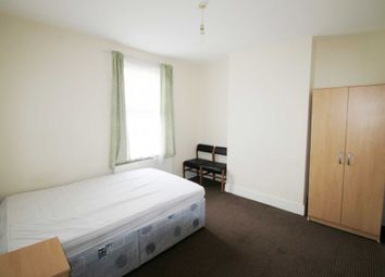 Thumbnail 1 bedroom end terrace house to rent in Double Room, Dover St, Reading