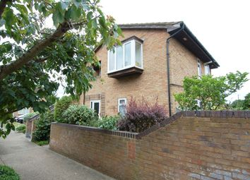 2 bed property for sale in Morland Close, Hampton TW12