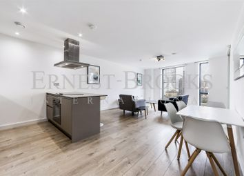 Thumbnail 1 bed flat to rent in Roosevelt Tower, 18 Williamsburg Plaza, Blackwall