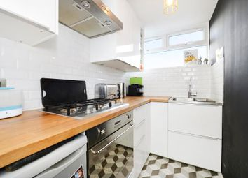 Thumbnail 2 bedroom flat for sale in Creffield Road, London