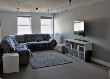 2 bed flat to rent in Strand Street, Poole BH15