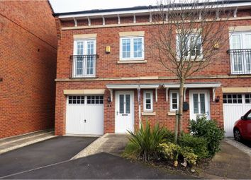Thumbnail 3 bed town house for sale in Kemberton Drive, Widnes