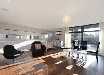 Thumbnail 2 bed flat to rent in Lower Mortlake Road, Richmond