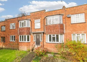 Thumbnail 3 bed flat to rent in Crescent View, High Road, Loughton
