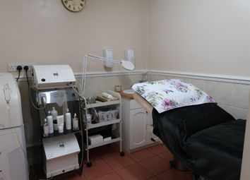 Thumbnail Retail premises for sale in Beauty, Therapy & Tanning DN32, North East Lincolnshire