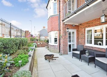 Thumbnail 1 bed flat for sale in Brighton Road, Horsham, West Sussex