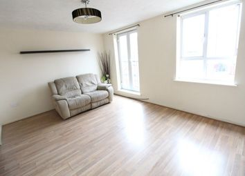 2 bed flat to rent in Grove Road, Luton LU1