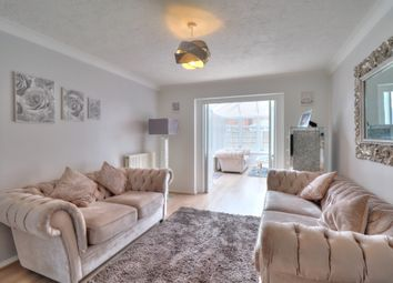 Maple Drive, South Ockendon RM15. 3 bed detached house