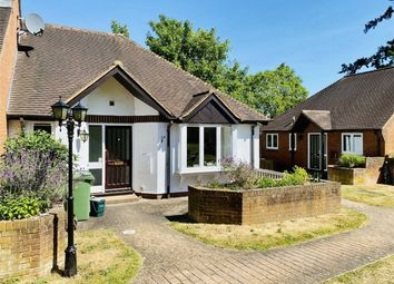 1 bed semi-detached bungalow for sale in War Memorial Place, Henley-On-Thames RG9