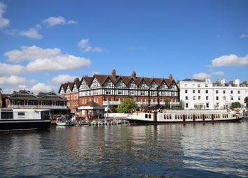 Thumbnail 4 bedroom flat for sale in Royal Mansions, Station Road, Henley-On-Thames