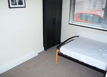 Fully Furnished Double Room To Rent, All Bills Included, Rodbourne, Linslade Street SN2. 4 bed shared accommodation