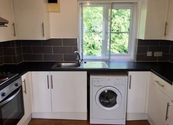 1 bed flat to rent in Wordsworth Mead, Redhill RH1