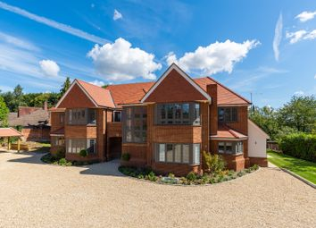 Woodchester Park, Beaconsfield, Buckinghamshire HP9. 2 bed flat for sale