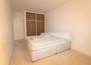 Thumbnail 1 bedroom flat to rent in The Walk, Potters Bar