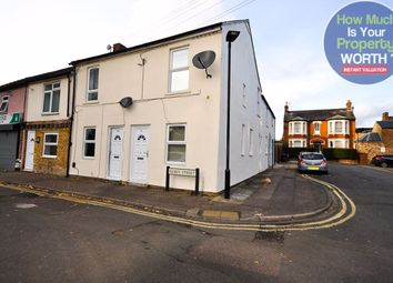 Thumbnail 1 bed flat to rent in Queen Street, Bedford