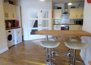 Thumbnail 4 bed property to rent in Edgecumbe Street, Hull