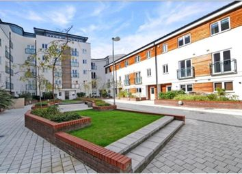 Thumbnail 2 bed flat for sale in Stane Grove, Clapham