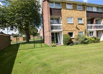 Thumbnail 2 bedroom flat for sale in Wykeham Crescent, Oxford