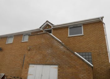 2 bed flat to rent in Jars Court, Green End Road, Cambridge CB4