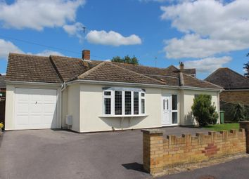 Thumbnail 2 bed detached bungalow to rent in Didcot, Oxfordshire