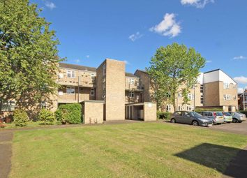 Thumbnail 1 bed flat to rent in Adelaide Road, Richmond