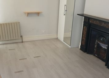 Thumbnail Room to rent in 3, Larch Road, Cricklewood