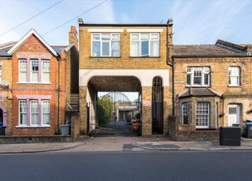 Thumbnail 1 bed maisonette for sale in Park Mews, London W10.
