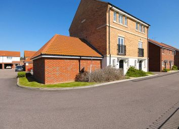 4 bed town house for sale in Markhams Close, Basildon SS15
