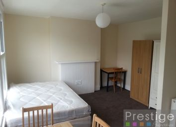 Thumbnail Room to rent in Raveley Street, London