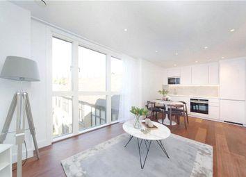 2 bed flat to rent in Queenstown Road, Battersea, London SW8