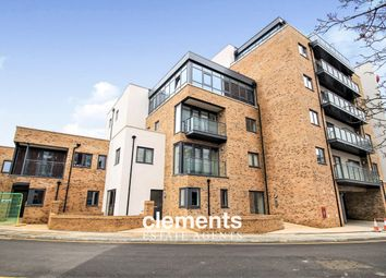 Thumbnail 2 bed flat to rent in Gartlet Road, Watford