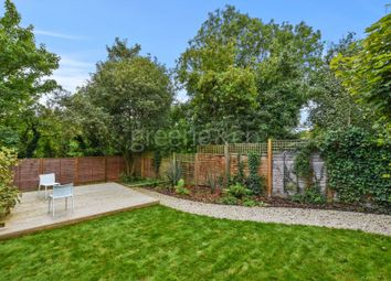 Thumbnail 1 bed property for sale in Stapleton Hall Road, Stroud Green, London