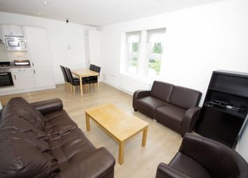 Thumbnail 2 bedroom flat to rent in High Road, North Finchley