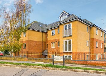 Thumbnail 2 bed flat for sale in Craig Avenue, Reading