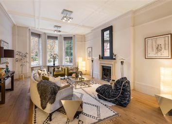 Cadogan Square, London SW1X. 3 bed flat for sale