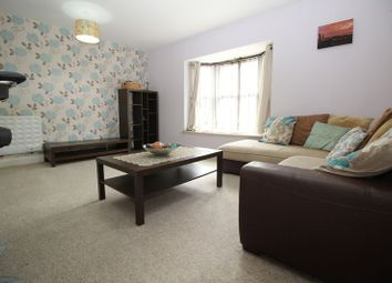 Station Way, Crawley RH10. 2 bed flat for sale