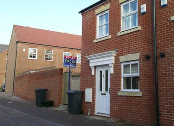 Thumbnail 2 bed property to rent in Beckett Chase, Langley, Slough