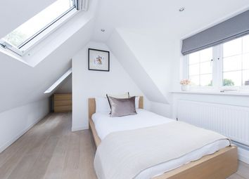 3 bed maisonette to rent in Burntwood Lane, Wandsworth, London SW17